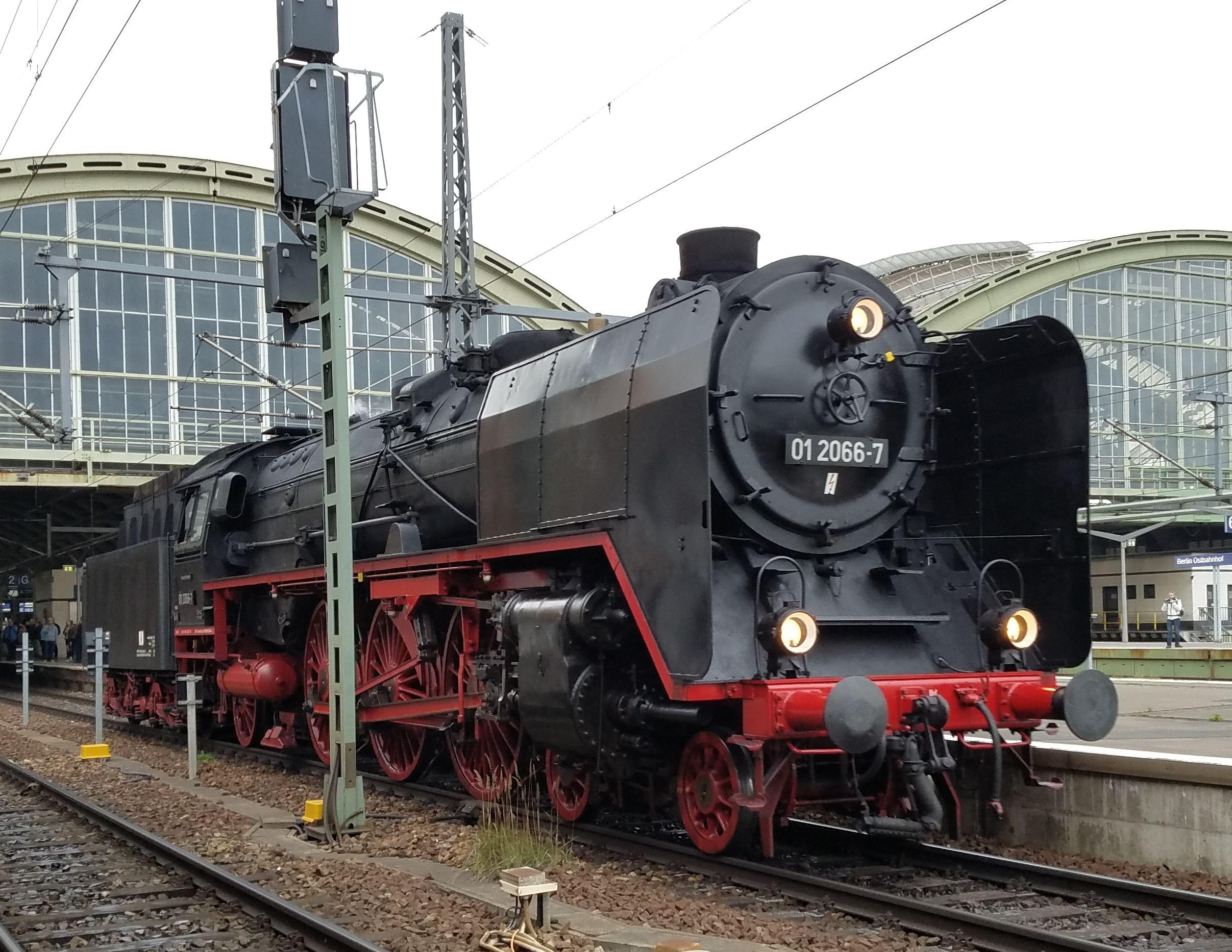 Dampflok 01 2066 Berlin Ostbahnhof 2017