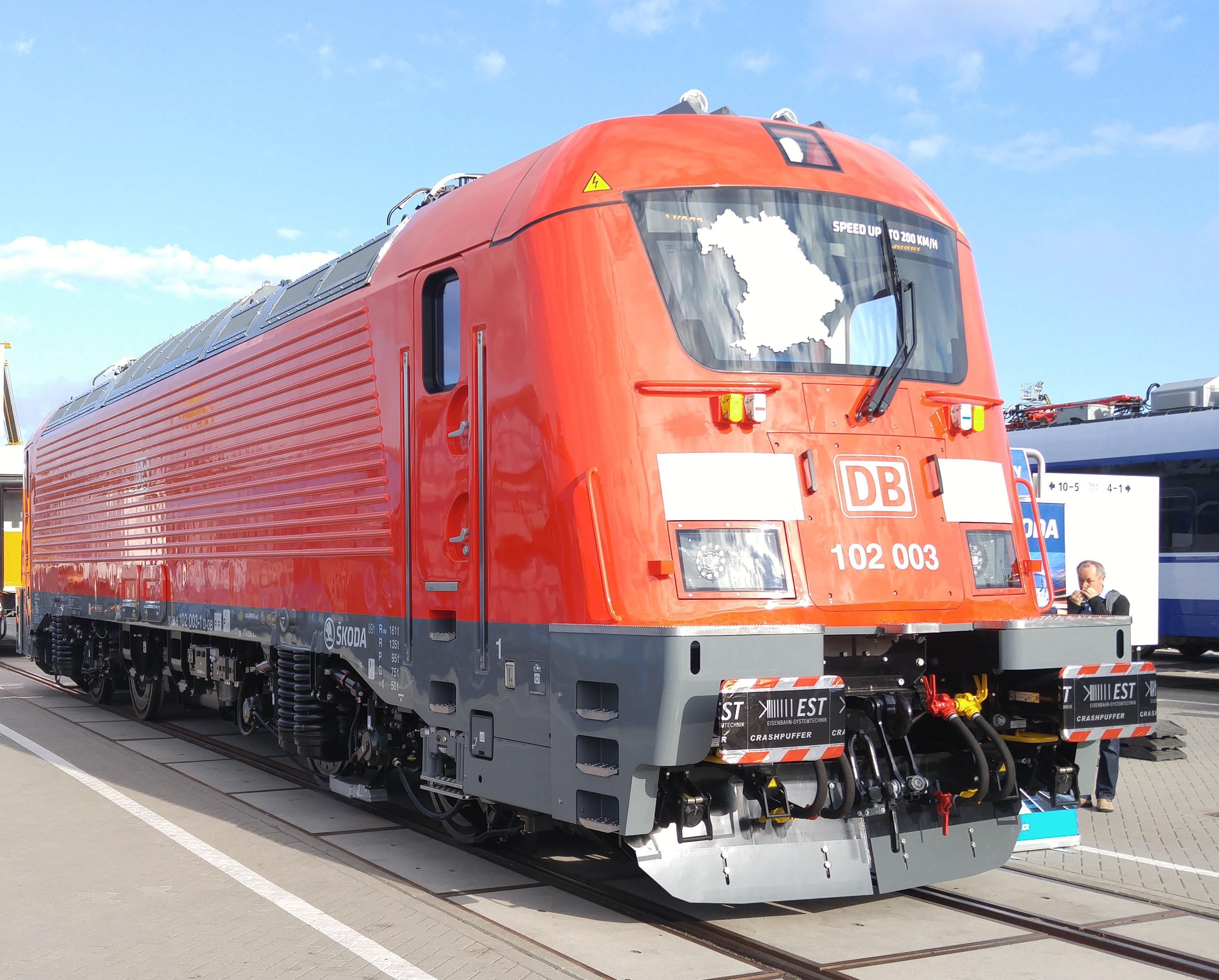 Foto: Elok 102 003 von Skoda für den Nürnberg-Ingolstadt-München-Express auf der Berliner Innotrans 2016