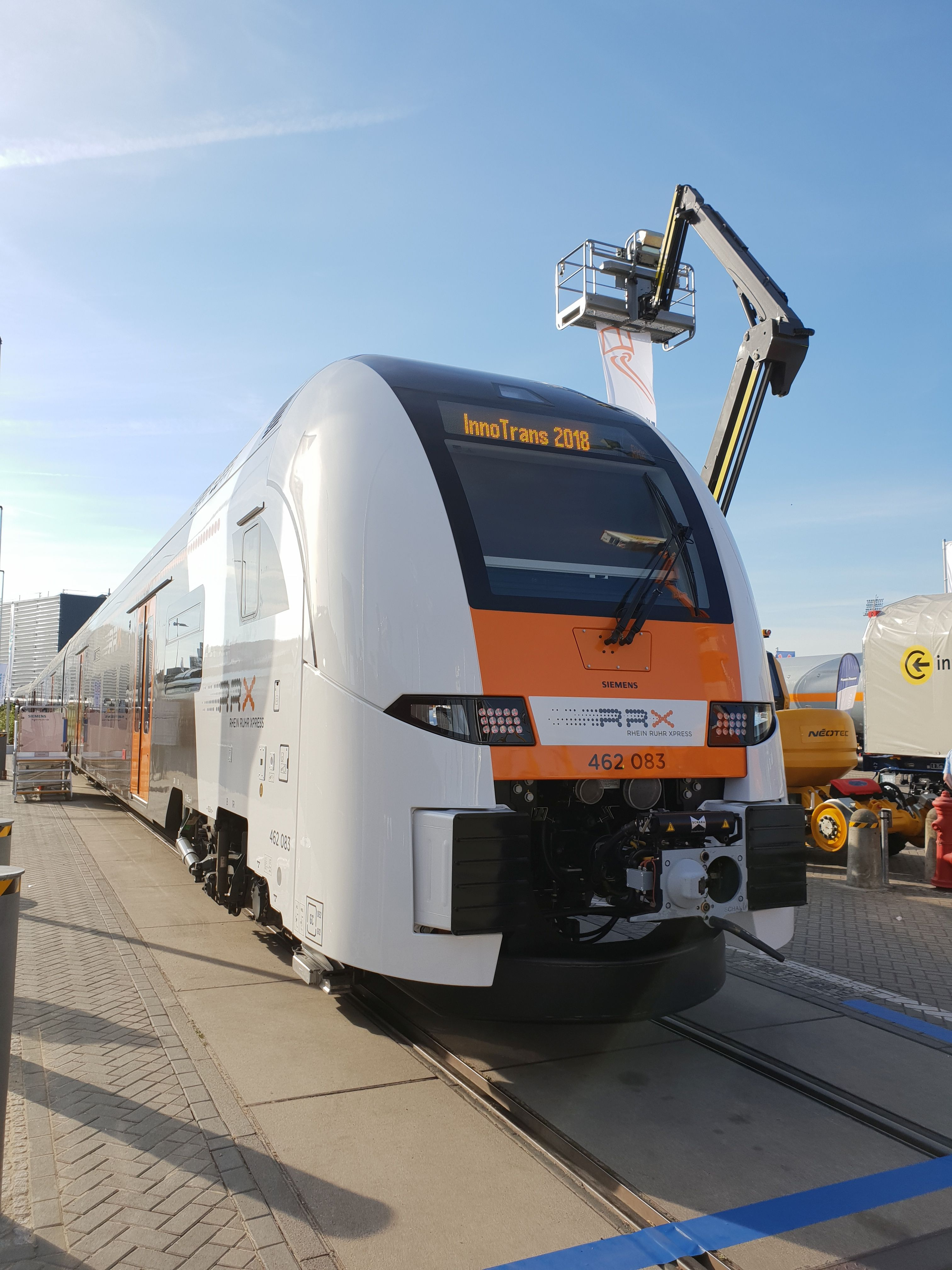 Foto: 462 083, Siemens RRX Desiro auf der Berliner Innotrans 2018
