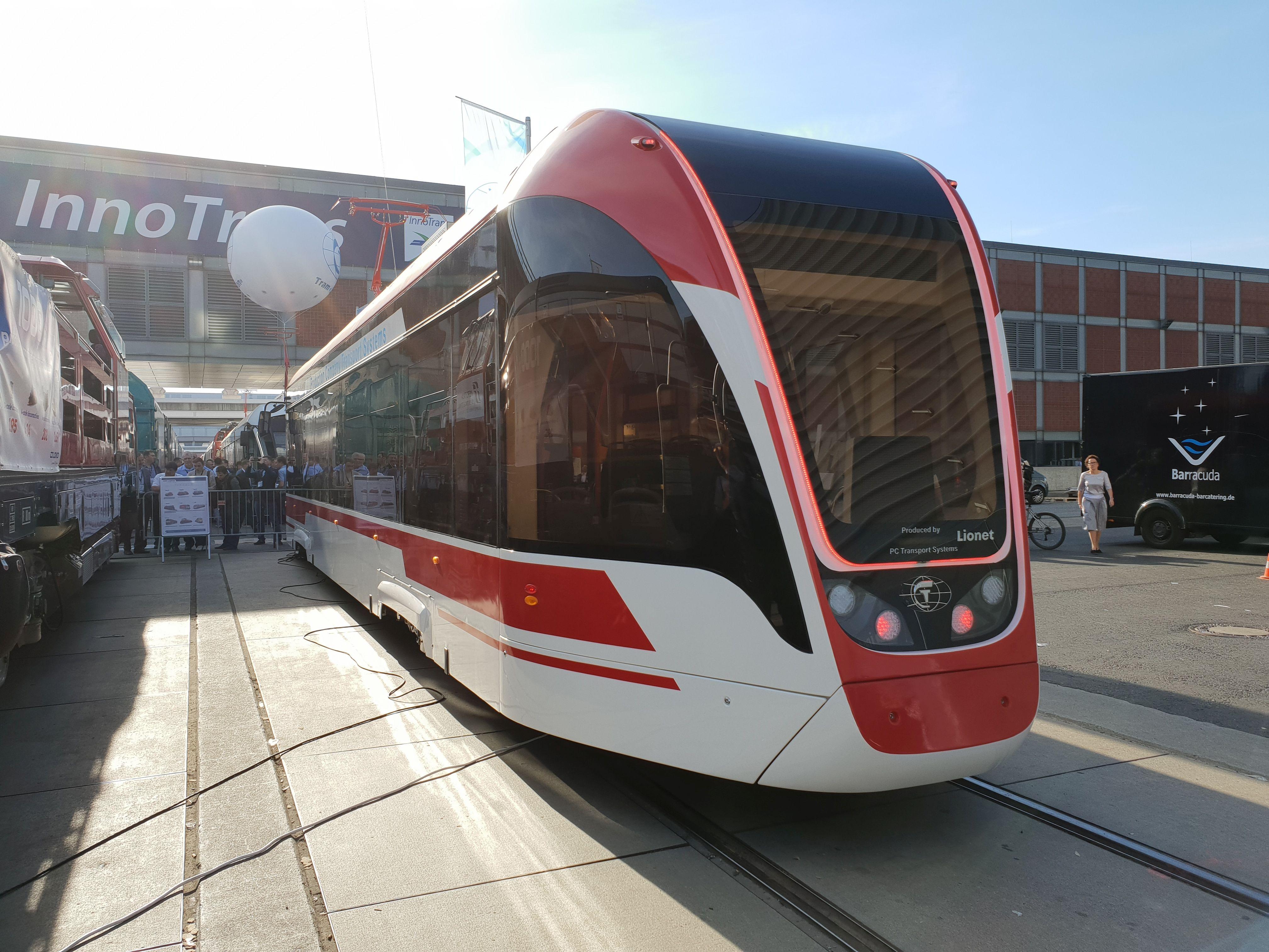 Foto: Straßenbahn Lionet von PC Transport Systems auf der Berliner Innotrans