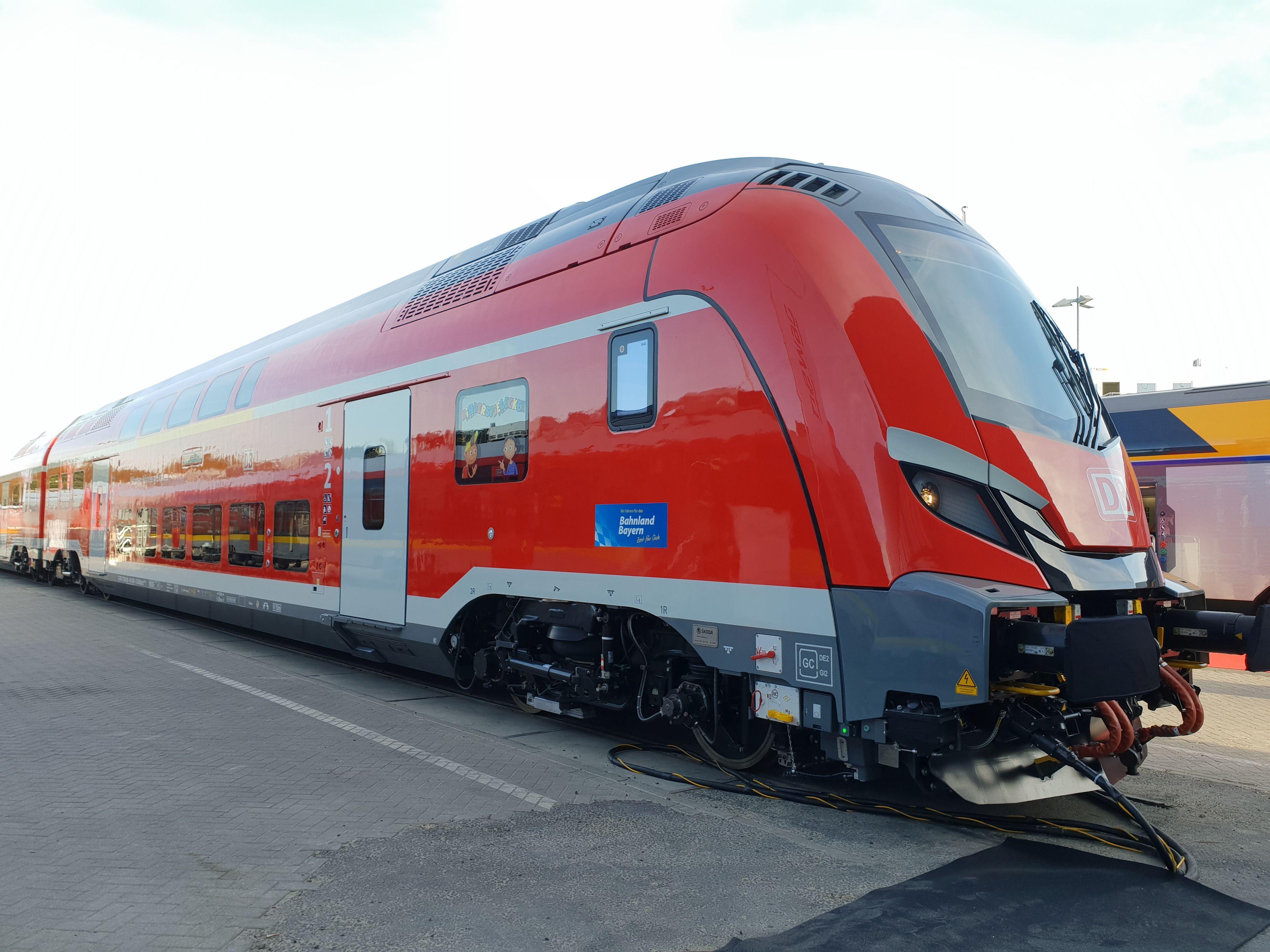 Foto: Doppelstocksteuerwagen von Skoda für den Nürnberg-Ingolstadt-München-Express auf der Berliner Innotrans 2018