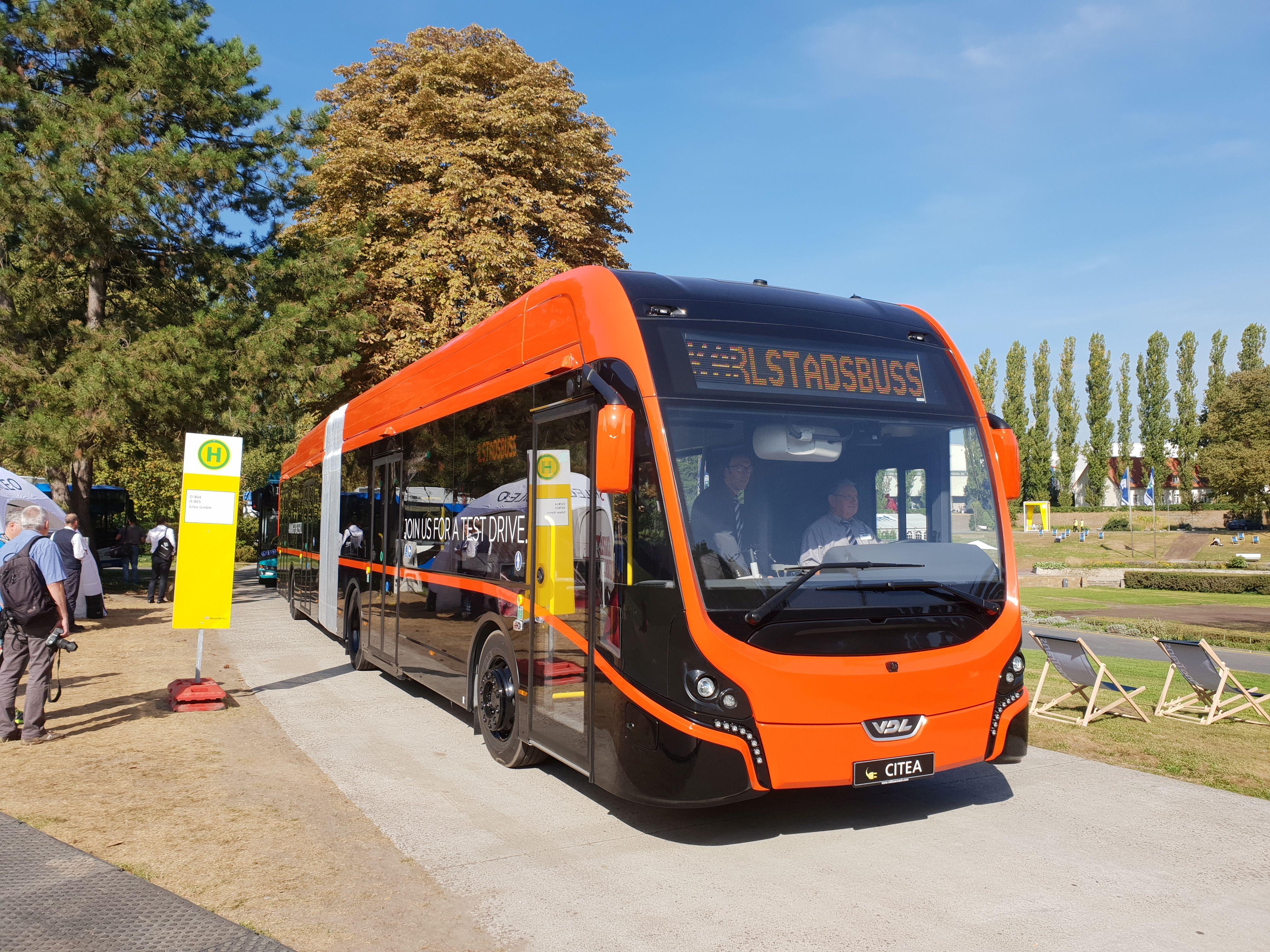 Foto: Elektrobus Citea Gelenkbus von VDL auf der Berliner Innotrans 2018